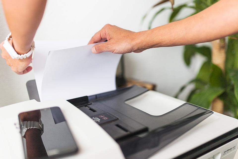 máy in bị kẹt giấy hình 3